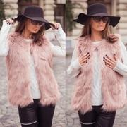 veste dama de blana rosie