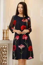 rochii cu imprimeu floral de primavara